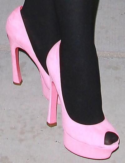 sheridan-in-pink-ysl