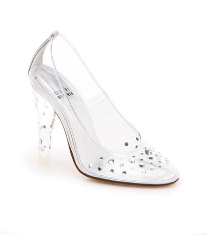 f656adf36dcab Cinderella s glass slipper by Stuart Weitzman debuts on Broadway ...