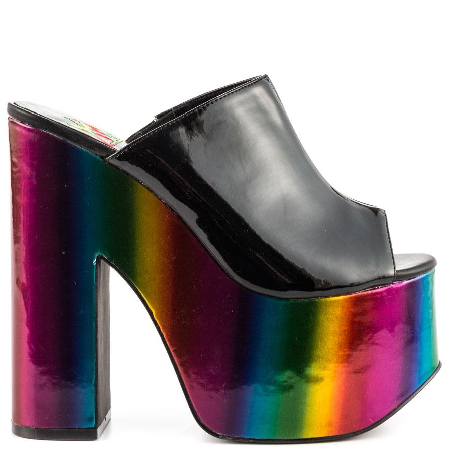 Yru Shoes Black And Gold